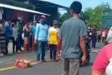 Penumpang motor tewas dilindas truk Fuso di jalan Raya Batukliang