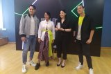 Fitur wajib di ponsel versi Tara Basro dan Arifin Putra