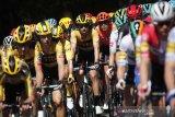 Direktur Tour de France positif COVID-19