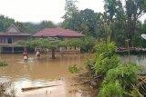 Basarnas Mamuju kerahkan personel ke lokasi banjir di Kecamatan Bonehau