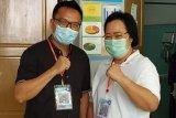 Pasangan Handal dan DIA periksa kesehatan di RSU Undata Palu.