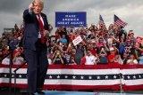 Trump tetap remehkan corona meski tau itu berbahaya