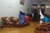 Berikut titik banjir dan longsor akibat hujan lebat disertai angin kencang di Padang