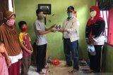 Nasrul Abit bantu smartphone, Aan dan Pamil bisa belajar daring