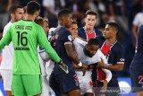 Le Classique diwarnai lima kartu merah, Marseille bekuk rivalnya PSG 1-0