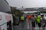 Lalu lintas  arah GT Cililitan Tol Jagorawi ditutup untuk olah TKP kecelakaan