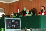 Dua terdakwa kasus gratifikasi proyek Muara Enim  jalani sidang perdana