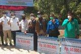 BBTNKS serahkan bantuan pemberdayaan masyarakat sekitar hutan