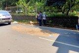 Sesosok jenazah polisi ditemukan tewas tergeletak di jalan