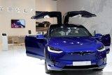 Harga mobil Tesla di AS dan China dipangkas