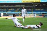 Leeds United menundukkan Fulham 4-3