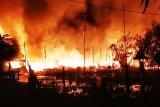 Kebakaran besar luluh lantakkan Pasar Pujon Kapuas