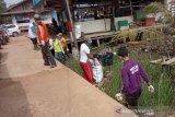Warga Sungsang Banyuasin bersihkan serentak  sampah sungai