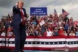 Donald Trump berharap April semua warga Amerika mendapat vaksin COVID-19