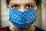 Pakar kesehatan  sarankan ada dua wadah khusus masker di tas