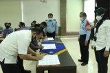 Kanwil Kemenkumham Sulsel dan OBH menandatangani kontrak adendum bantuan hukum