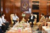 PLN Sulselrabar - Gubernur Sulsel bahas kelistrikan di pulau Makassar