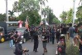 Gelar aksi damai, ratusan pendukung Jrx SID kunjungi PN Denpasar