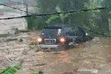 Sukabumi dilanda banjir bandang 12 rumah hanyut dan 85 terendam