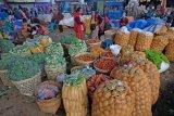 Transaksi sayuran turun