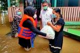 Wabup Seruyan tinjau daerah terdampak banjir dan salurkan bantuan
