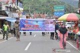 Tim gabungan di Padang Panjang sosialisasikan Perda adaptasi kebiasaan baru di pasar