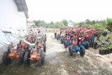 Kabupaten Landak bantu Alsintan untuk Poktan di Ngabang dan Jelimpo