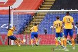 Penalti Richarlison melanjutkan tren kemenangan Everton