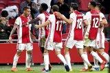 10 pemain Ajax menundukkan Vitesse 2-1