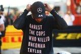 Aturan baru FIA larang Lewis Hamilton kenakan kaus