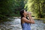 Tips dari dokter waktu terbaik minum air putih