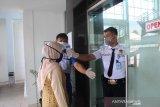 Pascakaryawan positif COVID-19, Bank Nagari Simpang Empat Pasaman Barat kembali melayani nasabah