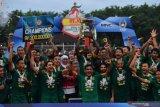 Persebaya Surabaya belum berencana pulangkan pemain karena penundaan Liga 1
