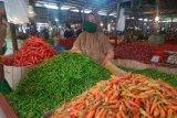 Harga kebutuhan pokok di pasar tradisional Angso duo relatif stabil