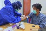Karyawan LKBN ANTARA Sulteng rapid test COVID-19