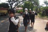 Warga Badui Dalam Banten berjalan kaki ratusan kilometer memburu tupai