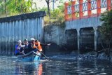 Machfud Arifin prihatin kondisi Sungai Wonorejo Kota Surabaya tercemar