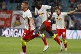Leipzig rebut posisi teratas usai perpanjang mimpi buruk Schalke