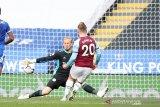 Leicester gagal ke puncak klasemen setelah kalah 0-3 dari West Ham