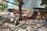 Satu meninggal dan tujuh rumah dibakar akibat bentrokan di Kupang