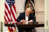 Tim medis memantau paru-paru Trump usai diberi oksigen tambahan