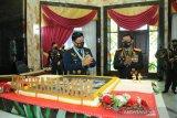 HUT Ke-75, Panglima TNI menerima kejutan dari Kapolri