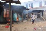 Delapan rumah di Sorong terbakar akibat amukan massa marah