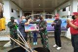 Lanud Sam Ratulangi menggelar bakti sosial HUT TNI di Minahasa