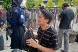 Liputan demo penolakan Omnibus Law, dua wartawan alami cedera