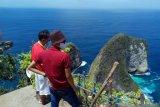 Kemenparekraf mengimplementasikan CHSE kunjungi objek wisata Nusa Penida