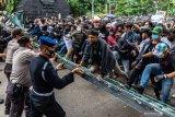 Empat mahasiswa jadi tersangka demonstrasi  ricuh di Semarang