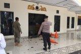 Gedung DPRD Kota Jambi dilempari batu oleh massa bersepeda motor