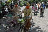 Empat pasangan menikah kirab dengan sepeda di Kotagede Yogyakarta