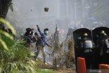 Polisi amankan 11 orang terkait ambulans diduga bawa batu untuk perusuh